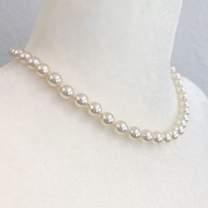 MOVING SALE! Beautiful Faux Pearl Necklace